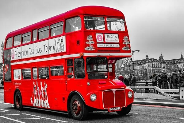 <h3>Red bus afternoon tea</h3>