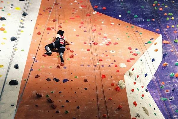 <h3>Indoor bouldering</h3>