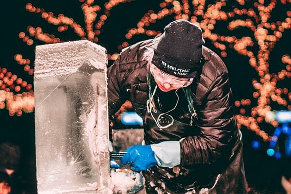 <h3>Ice carving and sculpting</h3>